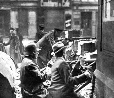 berlin-1919-spartakisten-vs-regierungstruppen