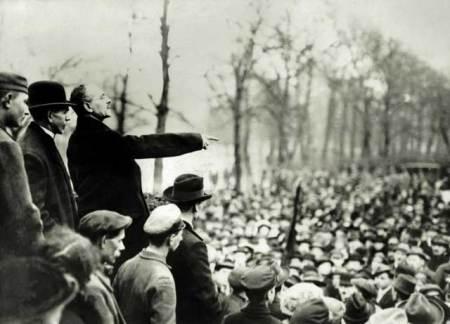 karl_liebknecht_im_wahlkampf1918