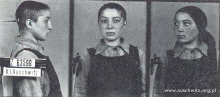 """Fiche d'identification d'une déportée """"tzigane"""" à Auschwitz"""