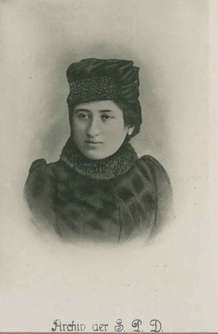 rosa vers 1890